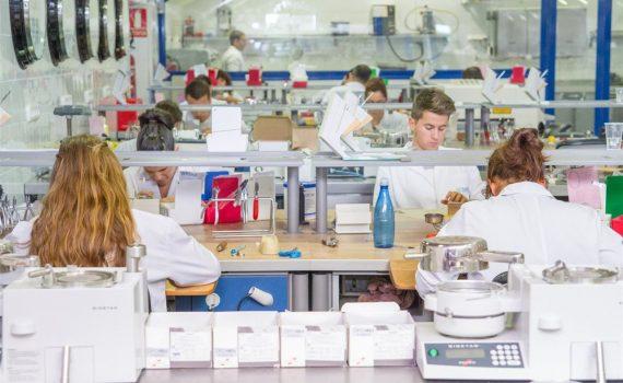 La industria farmacéutica argentina aumentó 28,7% su facturación en el último trimestre de 2017